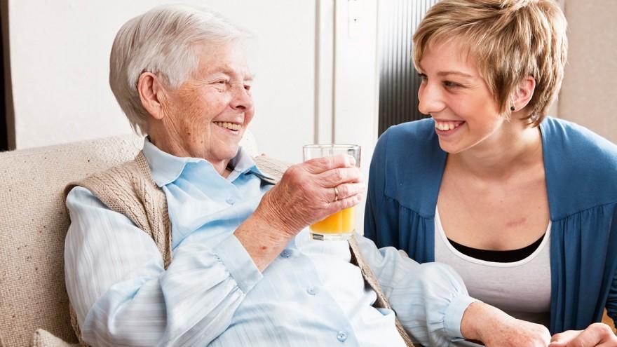نکات نگهداری از سالمندان در منزل