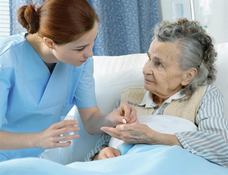 اعزام نیرو برای پرستاری کردن از سالمند