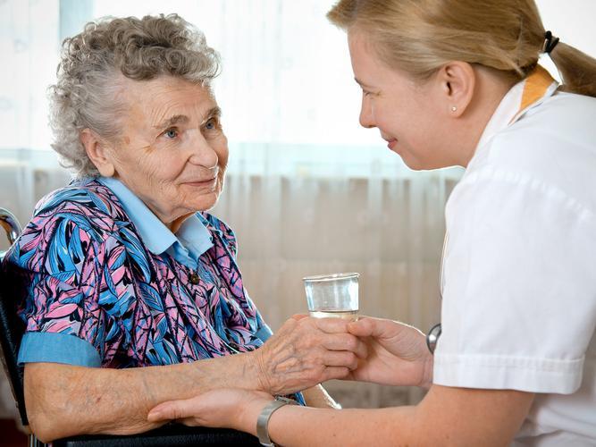 خدمات پرستاری از سالمندان در شرکت سما پارسا
