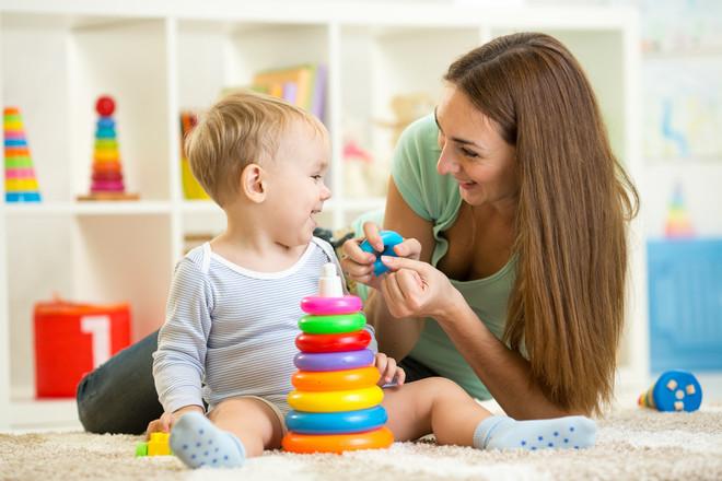 پرستار کودک باید چه ویژگی هایی داشته باشد ؟