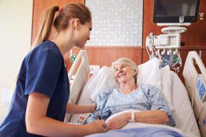 خدمات پرستار همراه بیمار