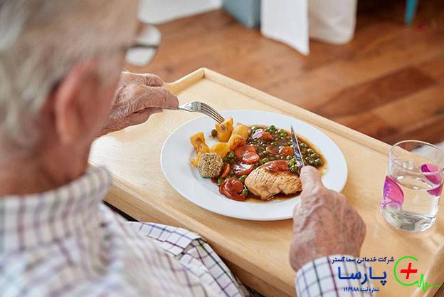تغذیه و نگهداری سالمند